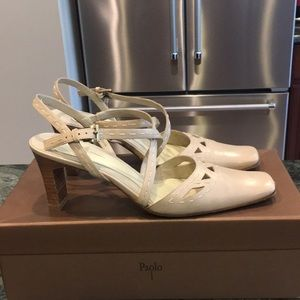 Paolo Light tan sandals with stitching